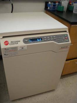 Picture of High Performance Centrifuge