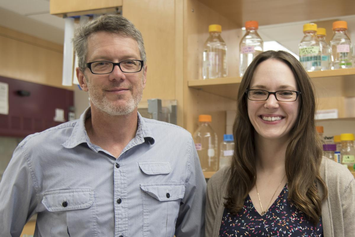 Photo of biochemistry professor Sam Butcher and his student Allison Didychuk.