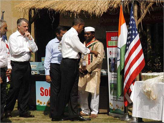 Photo of President Barack Obama Discussing Khorana Program